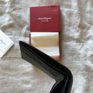 BRAND NEW - Salvatore Ferragamo Wallet